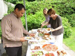 Carl Pengelly, Catherine Lawless & Catherine Jones at the buffet